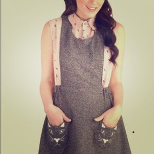 Mod Cloth gray cat pocket pinafore S Lolita